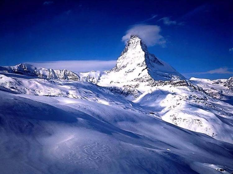 Puncak Everest di Pegunungan Himalaya, Ketinggian 29,035 ft / 8,850 m