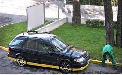 Akibat Parkir Mobil Sembarangan