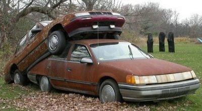 Mobil Parkir yang Aneh