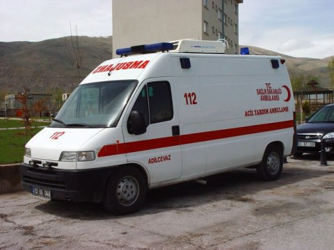 https://rengkodriders.files.wordpress.com/2012/03/ambulans1.jpg?w=300